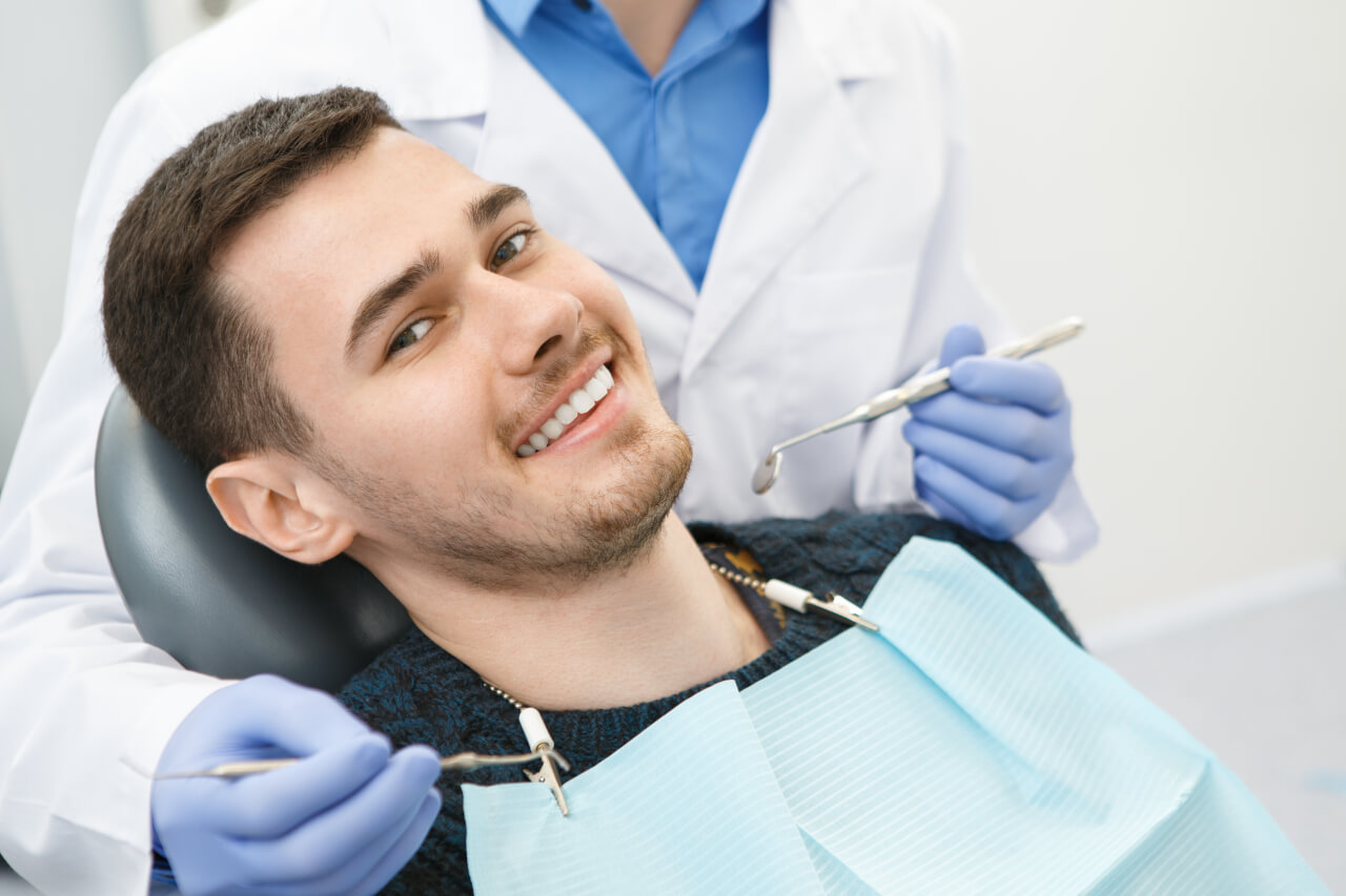 drinking alcohol after dental implant surgery