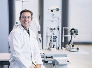 3 Major Careers That Physicians of Eye Care Specialize In